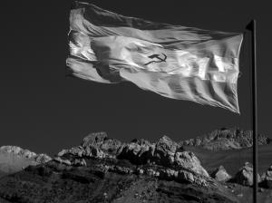 Bandera_argentina_comunista_BYN