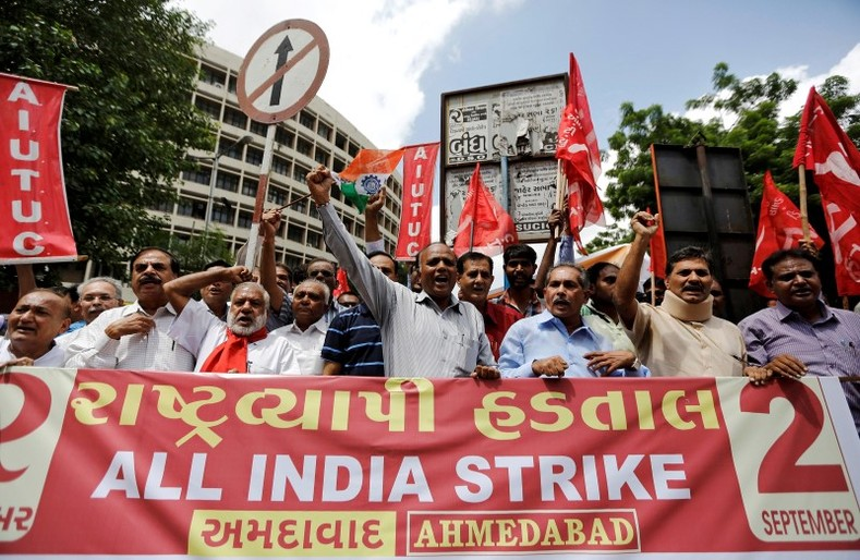 Workers from various trade unions shout slogans during a protest rally, as part of a nationwide strike, in Ahmedabad, India September 2, 2016.  REUTERS/Amit Dave
